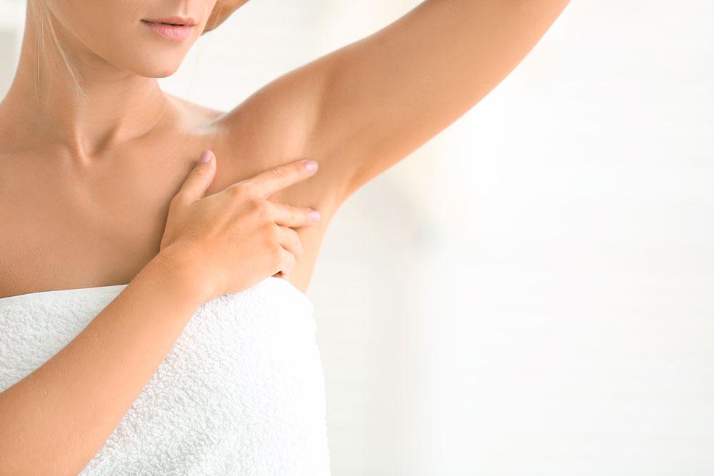 mujer desodorante sin aluminio