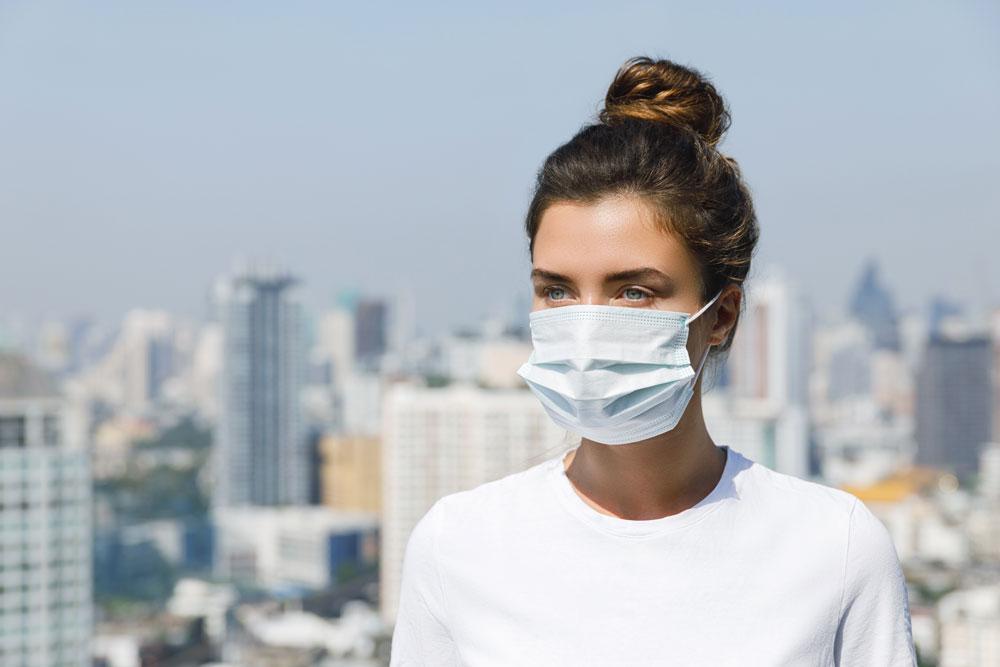 mujer contaminación